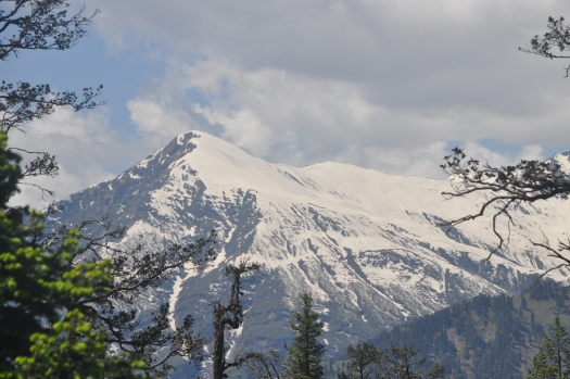 Rohtang pass snow capped mountains