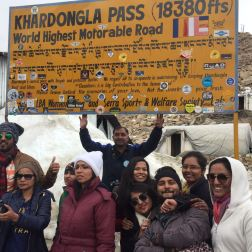 Gang at Khardungla