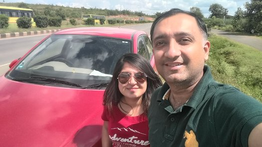 Bangalore to Gurgaon: Highway selfie with red i20 car