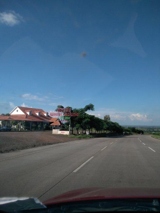 Hotel White House - Gujarat highway