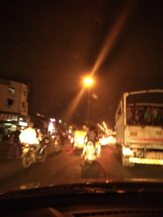 Bangalore to Gurgaon drive: Traffic nightmare at Ahmedabad