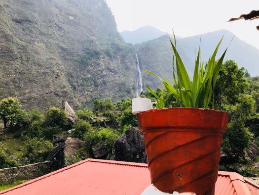 Birthi falls in cup, Munsiyari