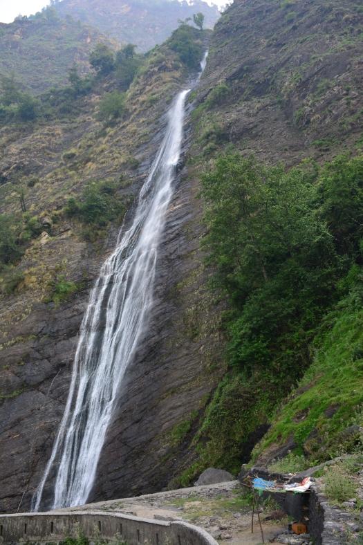 Birthi Falls n Tea stall, Munsiyari