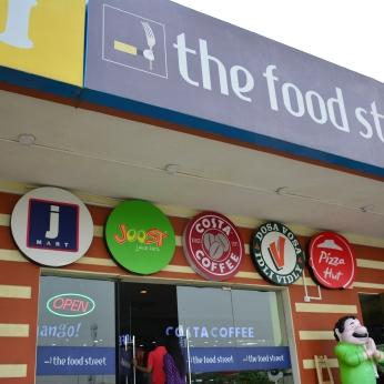 Food court on Yamuna Expressway-4