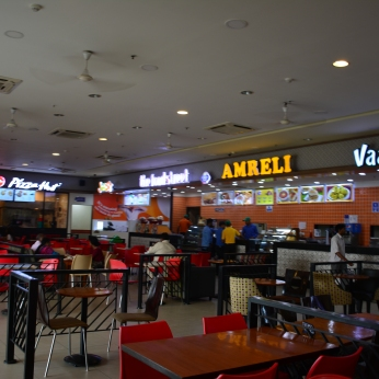 Food court on Yamuna Expressway-1