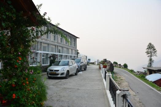 kmvn birthi-parking, near Munsiyari
